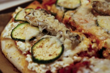 Cottage Cheese-Sardinen-Blechpizza